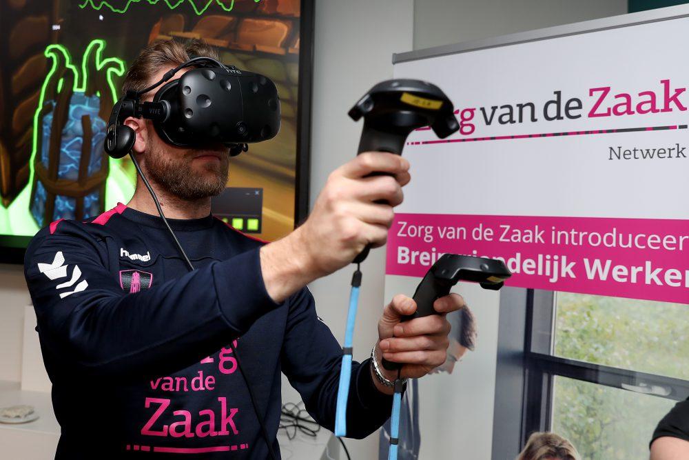 FC Utrecht-spelers trainen stressvaardigheid via Virtual Reality game Stressjam